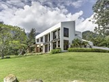 Tastefully finished one-of-a-kind Estate with Magnificent views 700m2, 4 bedrooms